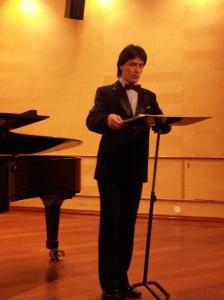 Larionov under en konsert i januar 2014
