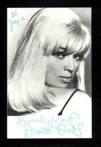 """Here's looking at you..."" A beautiful photo of Dors from ca. 1970"