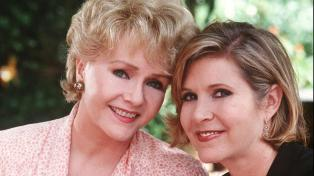 Mother & daughter, they died one day apart: Debbie Reynolds (1932-2016) & Carrie Fisher (1956-2016)